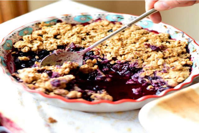 Oatmeal with Blueberry Juice and Plums
